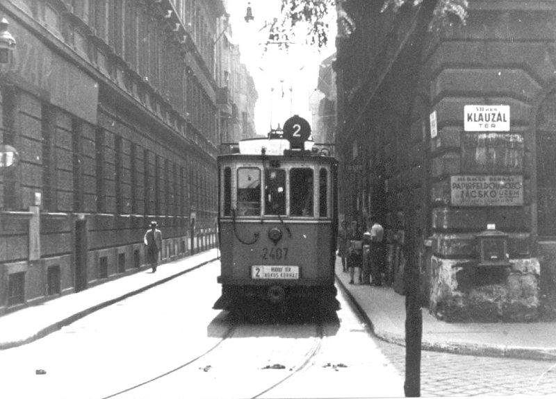 http://hampage.hu/trams/2-es/2407-2.jpg